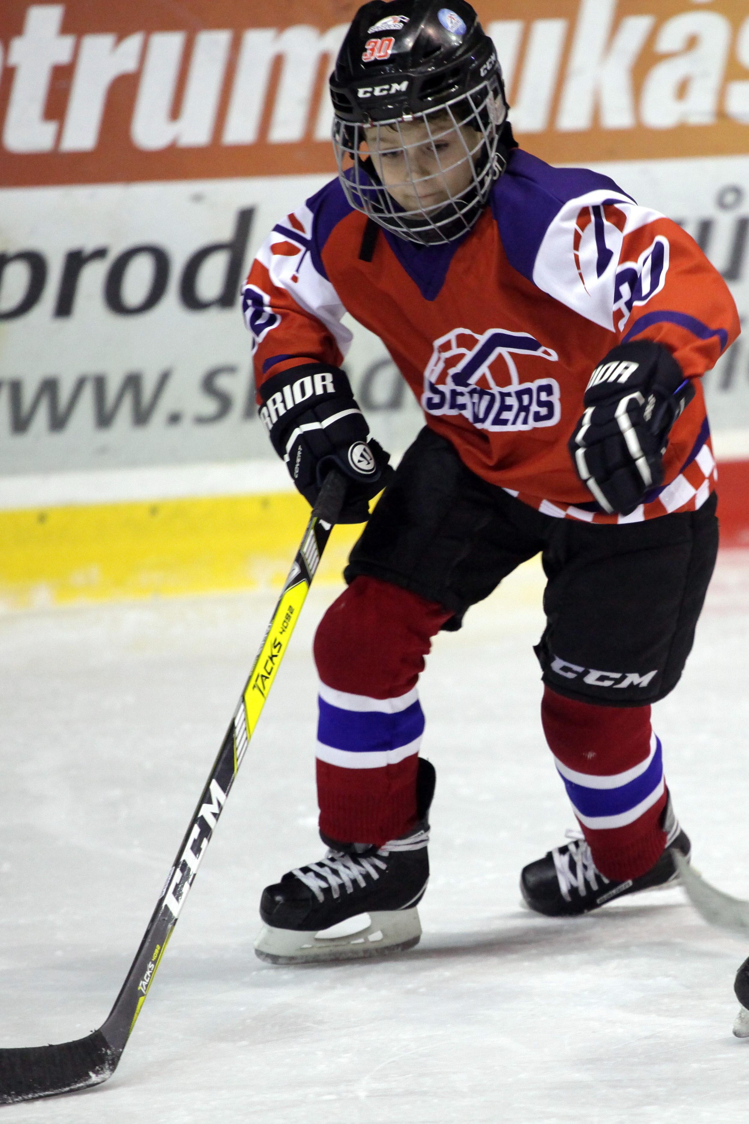 oliver ivanicko hokej speeders bratislava 4