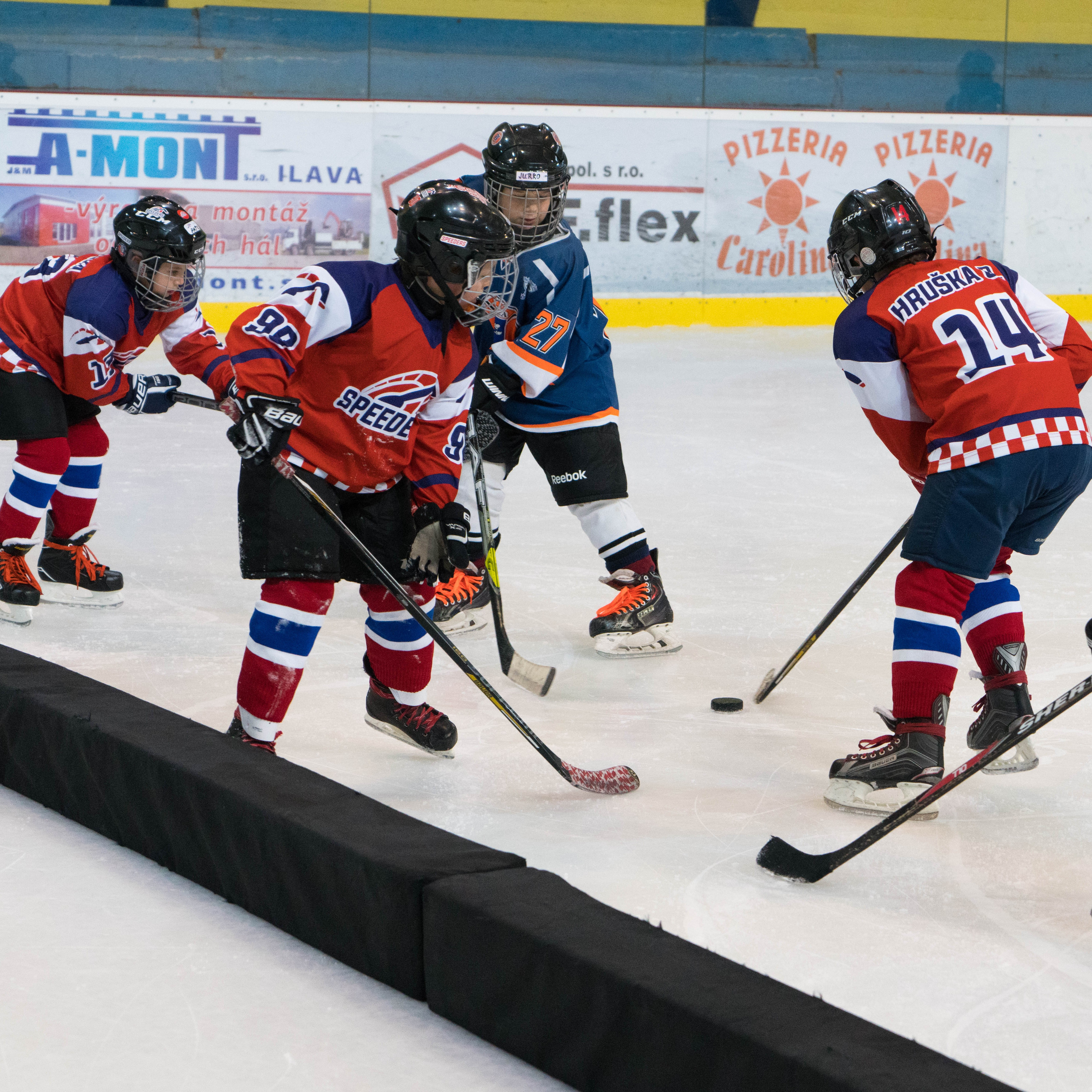 hokejovy turnaj Puchov 2.miesto speeders bratislava 3