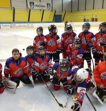 hokejovy turnaj Puchov 2.miesto speeders bratislava