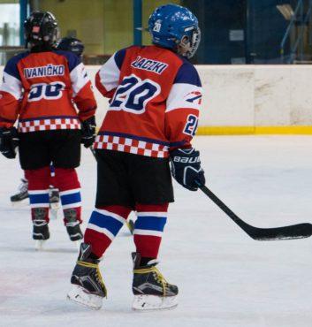 hokejovy turnaj Puchov 2.miesto speeders bratislava Laczki