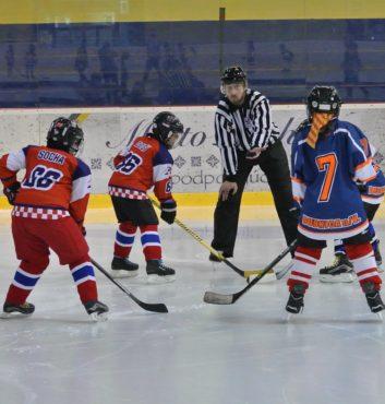 hokejovy turnaj Puchov 2.miesto speeders bratislava uvodne buly