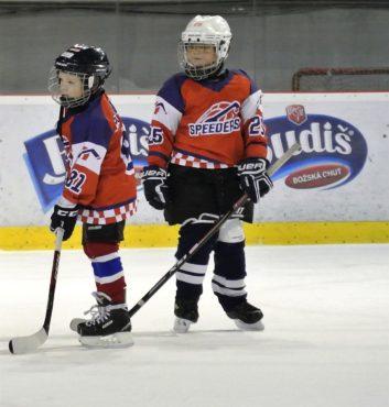 prvy zapas v drese speeders hokej bratislava 6