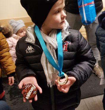 prvy zapas v drese speeders hokej bratislava medaile po zapase2