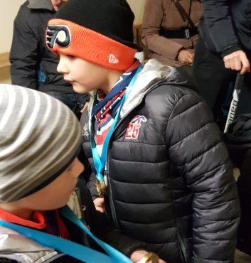prvy zapas v drese speeders hokej bratislava medaile po zapase5