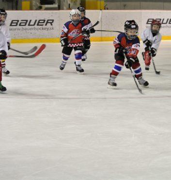 prvy zapas v drese speeders hokej bratislava utok najmensich